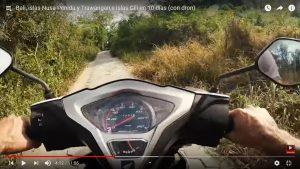 Moto en Nusa Lembongan